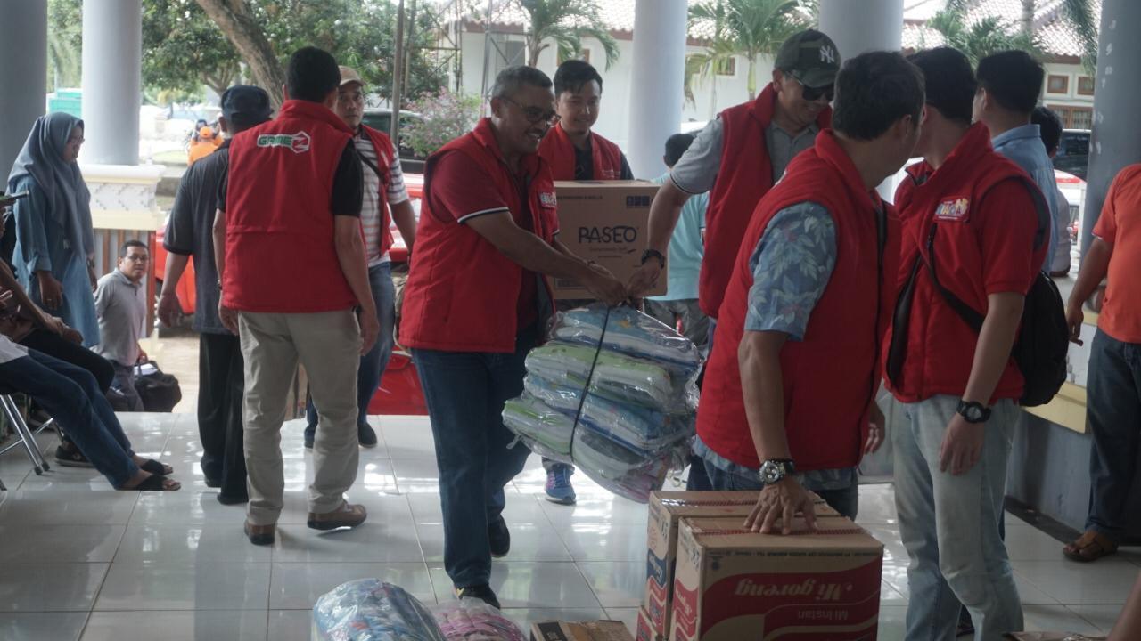 Pasca Bencana Tsunami di Selat Sunda, Telkomsel Salurkan Donasi Pelanggan Kepada Korban Bencana.