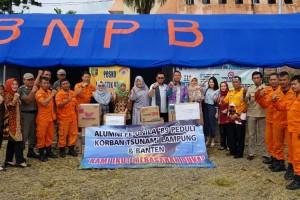 Bantuan diserahterimakan oleh  Kasubag Umum dan Kepegawaian BPBD Provinsi Lampung, Ellya Despuana, disaksikan beberapa Satgas Bencana BPBD Provinsi Lampung.