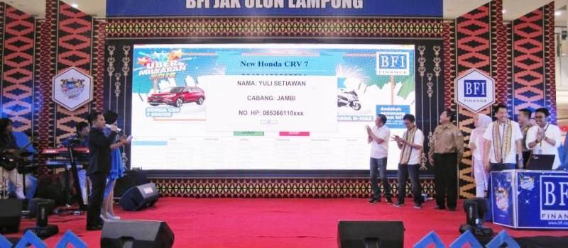 Sukses dengan Rangkaian UBER Milyaran 2018, BFI Finance Rampungkan Pengundian Nasional di Bandar Lampung.