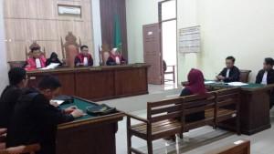 Sidang dengan agenda pembacaan amar tuntutan kepada tersangka OTT Kasubsi Penetapan dan Pemberdayaan Hak Tanah Masyarakat di Kantor ATR/BPN Pringsewu, Dewi Febrianti di Pengadilan Negeri Kelas IA Tanjungkarang, Kamis, 31 Januari 2019.