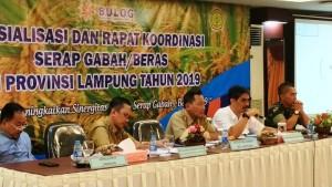 Kepala Bulog Divisi Regional (Divre) Lampung, Attar Rizal pada Rakor di ruang pertemuan anggrek Begadang Resto lantai 3, Selasa, 22 Januari 2019 .