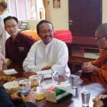 Mgr Yohanes Harun Yuwono Kunjungi Vihara Buddha Bhaisajyaguru Grha