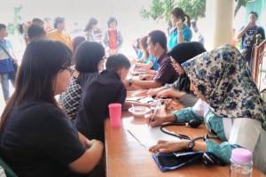 Paroki Maria Ratu Damai Teluk Betung dan Yayasan Insan Damai adakan bakti sosial berupa donor darah. Palang Merah Indonesia (PMI) dan Rumah Sakit Ibu dan Anak (RSIA) Santa Anna Bandar Lampung turut digandeng pada aksi kemanusian tersebut.