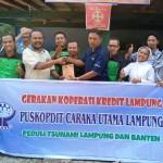 Puskopdit Caraka Utama Salurkan Bantuan Bagi Korban Tsunami di Posko Ngison Nando