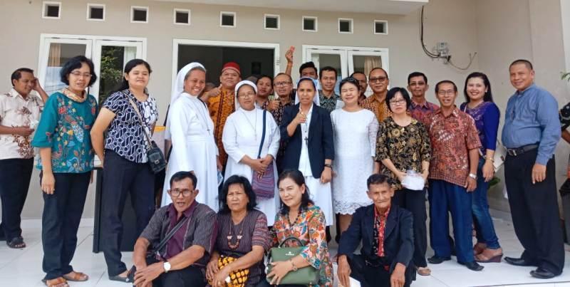 Para alumni sekolah yang didirikan oleh Romo Janssen di Provinsi Lampung. (Foto : Paulus Parjan)