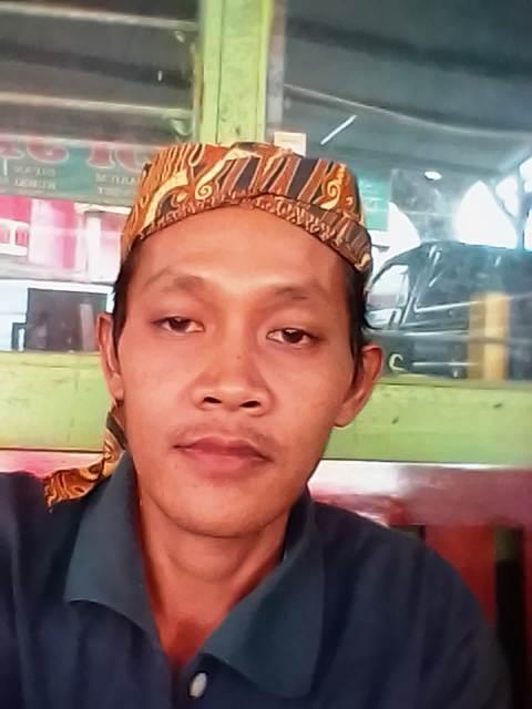 Ismanto, pendagar Radio Suara Wajar dari Kabupaten Way Kanan. Foto : Istimewa