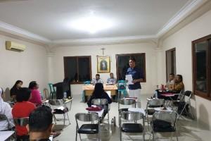 Ketua Umum LP3KD Provinsi Lampung, Hartato Lojaya saat memberikan arahannya pada rapat koordinasi panitia Pesparani II, Rabu, 16 Oktober 2019.