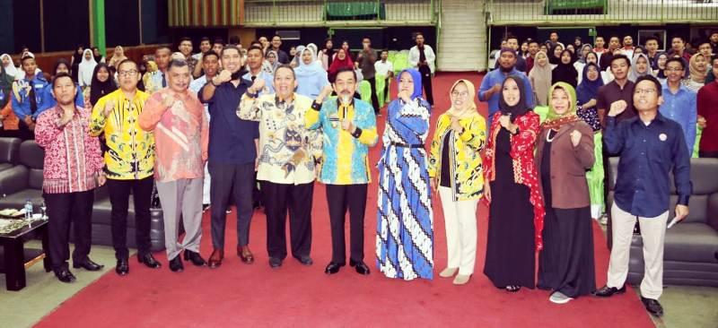 """Seminar Literasi Media dengan Tema Cerdas Bermedia, Menuju Penyiaran Berkualitas"""". di Aula Universitas Malahayati Bandarlampung, Kamis, 28 November 2019."""