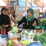 Hadapi Nataru, Wagub Chusnunia Buka Kegiatan Pangan Murah di 4 Lokasi