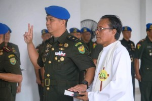 Denpom II/3 Lampung, Mayor Cpm Hanri Wira Kusuma bersama Romo Roy di di Madenpom II/3, Bandarlampung, Sabtu, 4/1/2020.