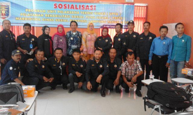 Para Peserta program sosialisasi pembinaan bagi gelandangan dan pengemis Jumat (4/09) di Sanggar Kegiatan Belajar (SKB) di Jalan Cutmutia Bandar Lampung.