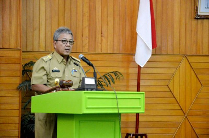 Sekda Provinsi Lampung Arinal Djunaidi pada Sosialisasi Kebijakan dan Bimbingan Teknis Data Base Kependudukan, di Gedung Pusiban, Selasa (22/9).