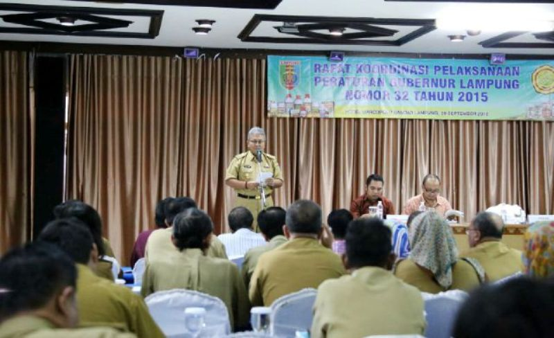 Sekretaris Daerah Provinsi Lampung Arinal Djunaidi saat membuka rapat koordinasi pelaksanaan Pergub No. 32 tahun 2015 di di Hotel Marcopolo Bandar Lampung Selasa (29/9) .