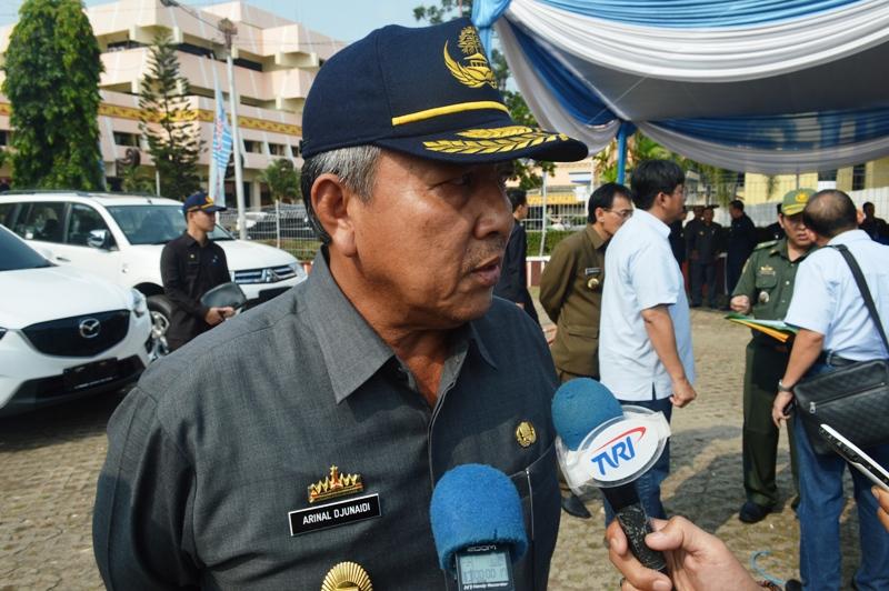 Sekretarias Daerah Provinsi Lampung Arinal Djunaidi pada Peringatan Hari Pangan Sedunia ke- 35, Senin (12/10/2015), di Lapangan KORPRI Bandar Lampung.