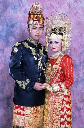 pakaian-tradisional-aceh-pakaian-adat-aceh-Ulee-Balang