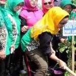 Aprilani Yustin Ficardo Pimpin Gerakan Menanam Pohon di Desa Sabah Balau Lampung Selatan