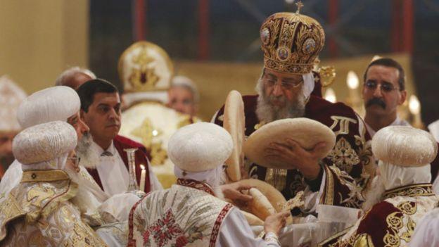 160107020943_copts_christmas_cairo_mass_640x360_reuters_nocredit