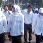 Di Lampura, PNS Pakai Hitam Putih, Pejabat Kenakan Baju Khas Lampung