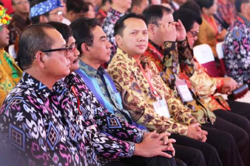 Gubernur Lampung M. Ridho Ficardo saat mengikuti acara puncak peringatan Hari Pers Nasional di Mandalika Resort, Lombok, Nusa Tenggara Barat Selasa (09/02).