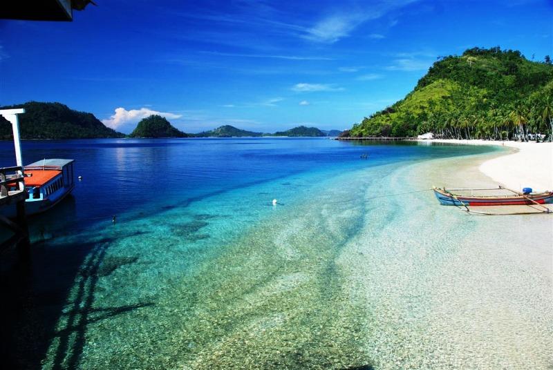 Pantai Teluk Kiluan , Pekon Kiluan Negeri Kecamatan Kelumbayan, Kabupaten Tanggamus Provinsi Lampung.