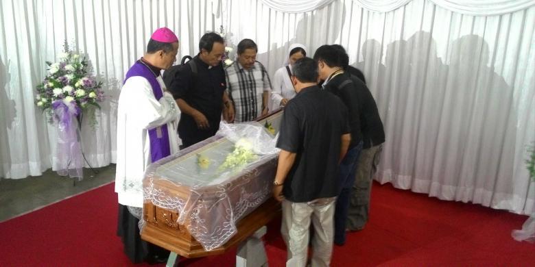 094959820160311GER-Uskup-Emeritus-Tanjung-Karang-Meninggal780x390