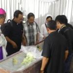 Tiba di Lampung, Jenazah Mgr Henri Disemayamkan di Katederal Tanjung Karang