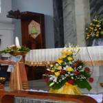 Gigihnya Petugas Dekorasi Paskah Gereja Kristus Raja Tanjungkarang