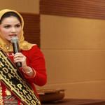 Dekranasda Lampung diminta banyak menciptakan produk kerajinan