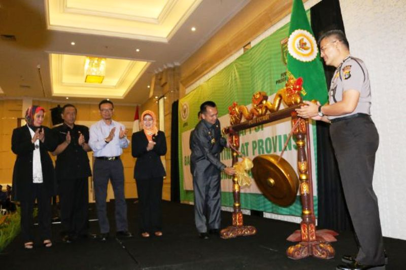 Gubernur Lampung M Ridho Ficardo saat membuka acara pencerahan APPSI bagi pejabat tingkat Provinsi se-Sumatera, di Ballroom Hotel 7th, Bandar Lampung, Rabu 27 April 2016.