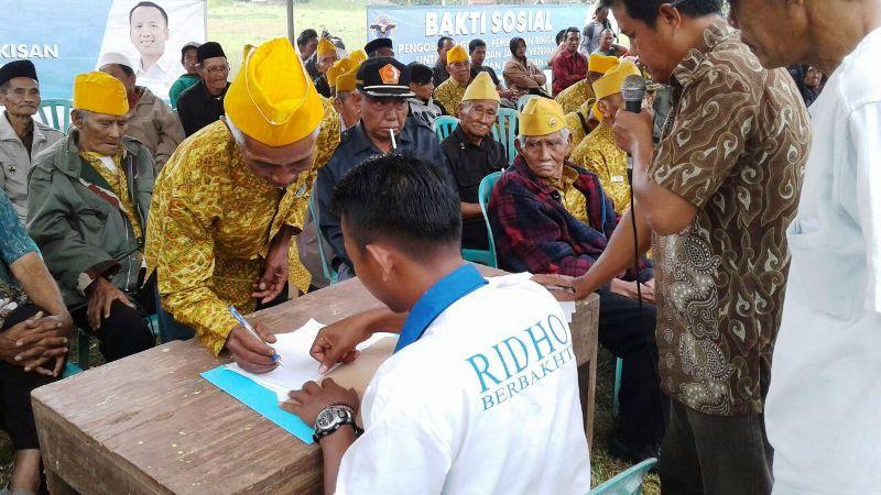 Bakti sosialTim Relawan Garuda Ridho Berbakhti   pengobatan gratis  di Pekon Simpang Sari Kecamatan Sumber Jaya, Lampung Barat, Sabtu 17 Desember 2016.