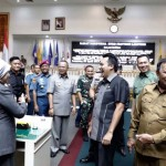 Ini jawaban Gubernur terhadap pemandangan umum Fraksi-Fraksi DPRD atas Raperda Prakarsa Pemerintah Provinsi Lampung