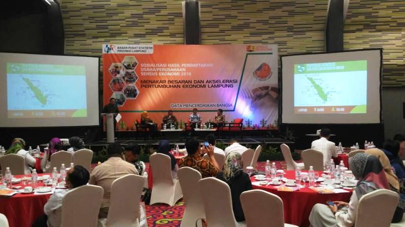 Sosialisasi hasil pendaftaran (listing) usaha/perusahaan Sensus Ekonomi 2016 (SE2016), Menakar Besaran dan Akselerasi Pertumbuhan Ekonomi Lampung, di Hotel Novotel, Bandar Lampung, Rabu 24 Mei 2017.