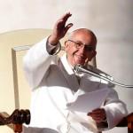 Pakai Kisah Tipuan Ular ke Hawa, Paus Fransiskus Soroti Berita Palsu