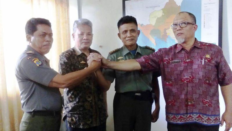 Serah terima jabatan Kasat Polhut Provinsi Lampung dari Alwi kepada Amirsyah, di Ruang Rapat Utama Dinas Kehutanan Lampung, Jumat 12 Januari 2018.