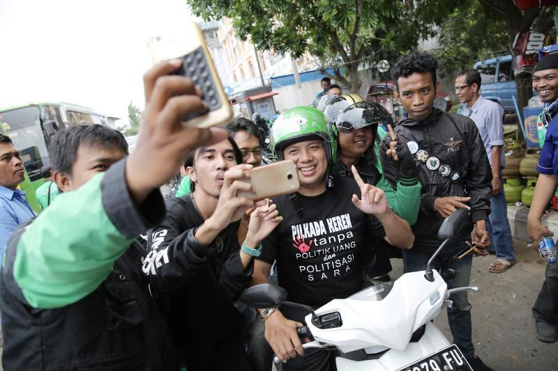 M.Ridho Ficardo Diarak Ojek Online Keliling Kota Bandar Lampung Rabu 14 Februari 2018 siang.