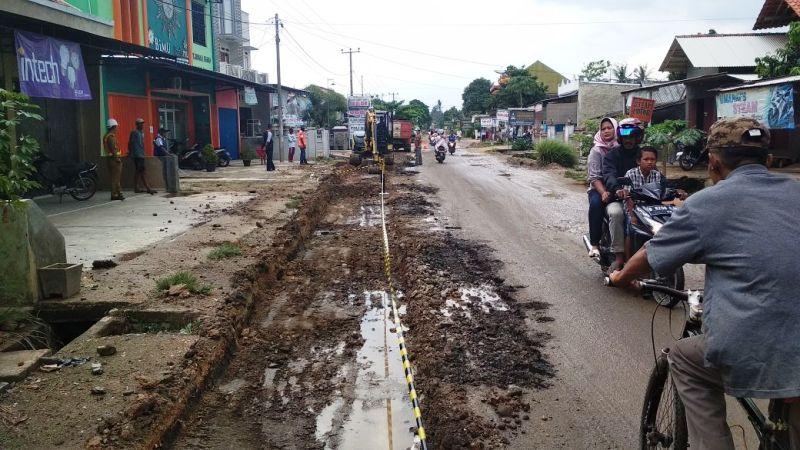 Kondisi jalan di Kecamatan Pringsewu, Ambarawa.