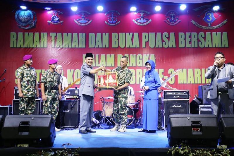Serah terima jabatan (Seritjab) Komandan Brigade Infanteri (Brigif) -3 Marinir, dari Kolonel (Mar) Agung Trisnanto kepada Kolonel (Mar) Bambang Hadi Suseno, di Lapangan Mako Yonif-7, Ketapang, Teluk Pandan, Pesawaran, baru-baru ini.