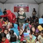 Yustin Ridho Ficardo Obati Kegelisahan Anak Anak Pengungsi Tsunami di Kalianda