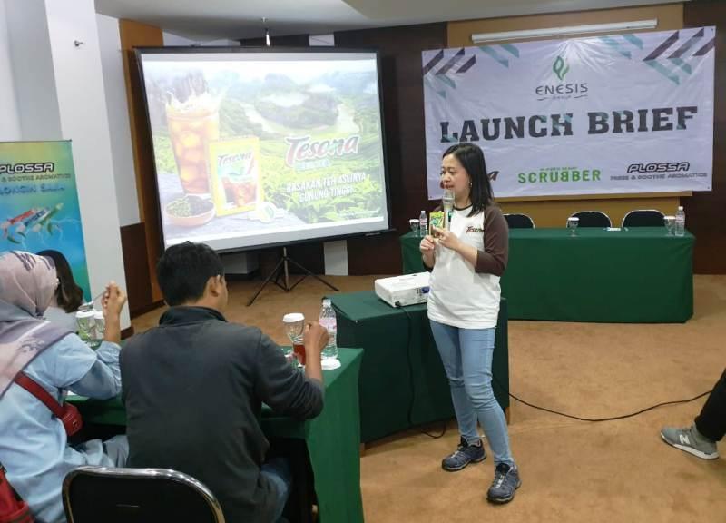 Group Product Manager Tesona, Jane Selly Mamangkey saat memberikan pemaparan seputar produk yang diluncurkannya, Kamis, 14 Maret 2019 di Hotel Amalia, Bandar Lampung.