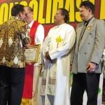 "Romo Roy Mendapat Penghargaan ""Pejuang Demokrasi"" dari Polda Lampung"