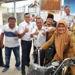 PT KAI Divre IV Tanjungkarang Serahkan Motor Pengangkut Sampah