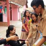 SMA Xaverius Bandarlampung Bersama Dinas Sosial Provinsi Lampung Salurkan Bantuan Kursi Roda